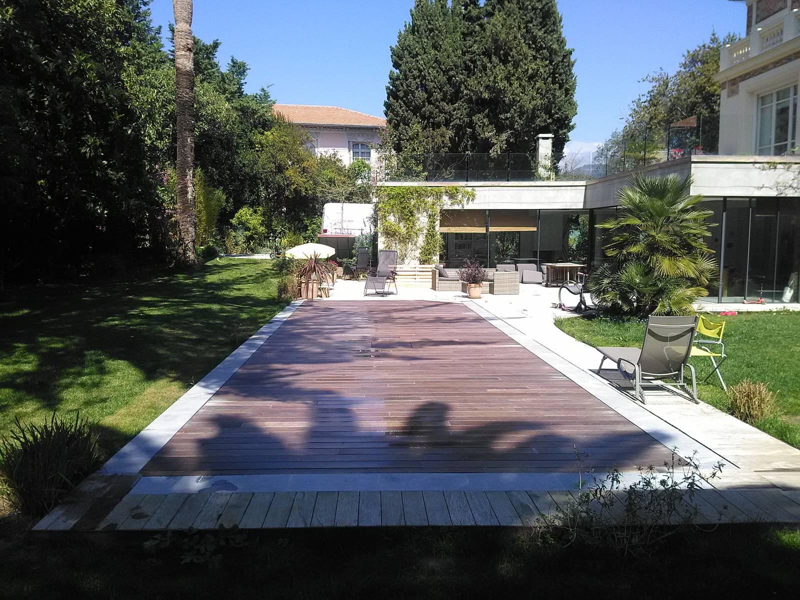 Amphibia le fond mobile de piscine dans votre jardin ou - Mobil home dans son jardin ...